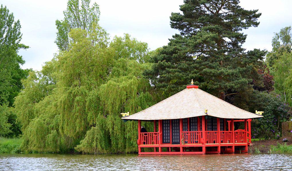 Hever Castle Attractions Japanese Tea House And Lake